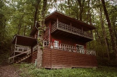 Photo 21_5041.jpg - Exterior View of Cedar House