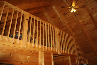 Glory Days Cabin - Loft with 2 full size beds