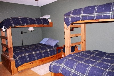 Bunk Room - Great place for close friends and family to sleep.  6 Sleep comfortably.