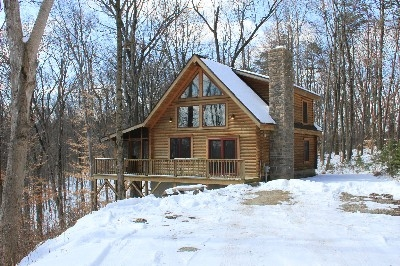 View from Oak Valley - Oak Valley is located on a hill top that requires four wheel drive in the Winter!  Includes a private bedroom downstairs with a King and an open loft with a Queen.