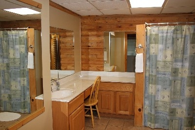 Bathroom - Full bathroom on the main level.