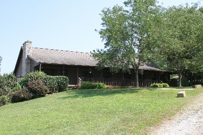 Rush Creek Retreat - Six bedrooms, four bathrooms, two kitchens, two living rooms, stocked pond, etc.