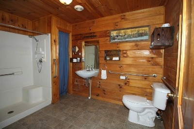 Large Bathroom - This bathroom is handicap accessible