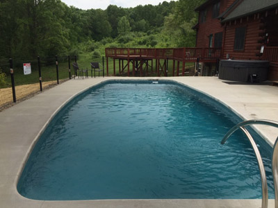 Lazy Bear Lodge pool