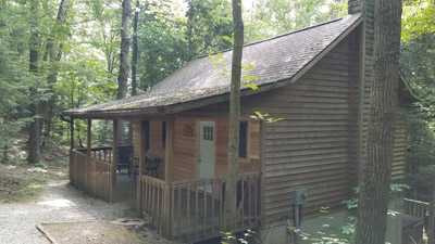 Wyandot Cabin - Two story cabin with lower walkout deck