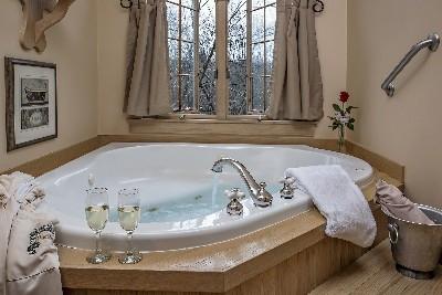 The MacDonald Master Suite - The MacDonald Master Suite tub