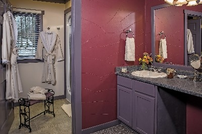 The Mackay Cottage  - The MacKay Cottage bathroom area