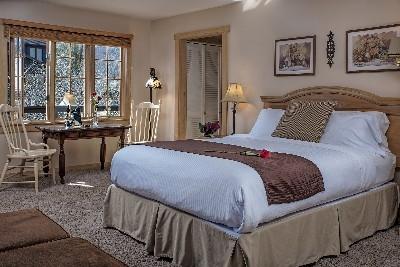The Douglas Suite - The Douglas Suite bedroom area