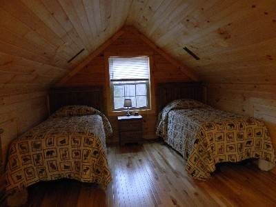 The Escape - Loft with twin beds.